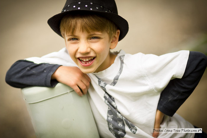 DreamComeTruePhoto - Laughing Boy in a hat