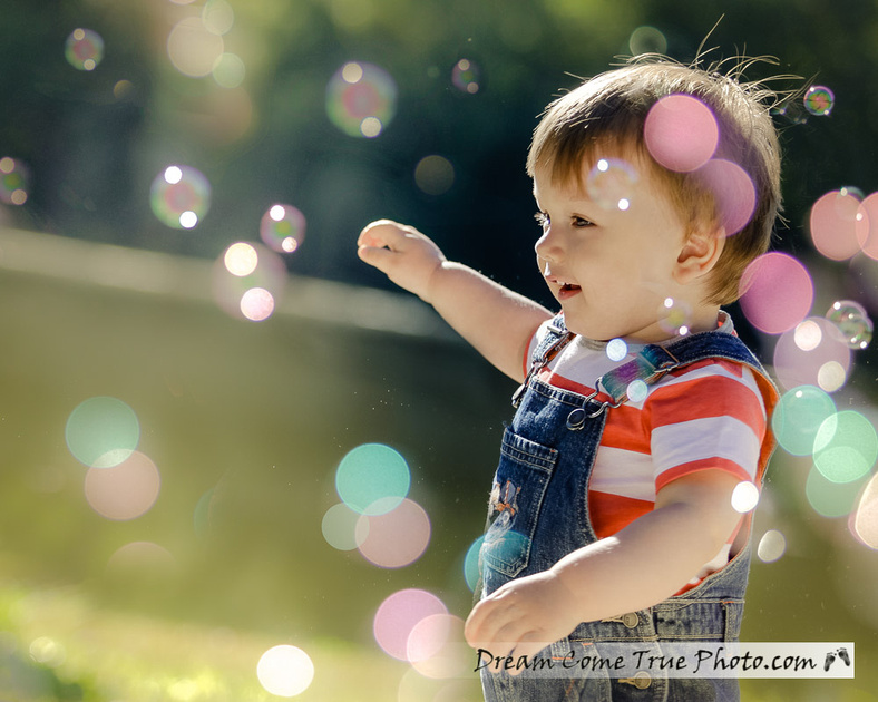 Dream Come True Photo - Family Photosession outside - Capturing true personality of little boy having fun with bubbles